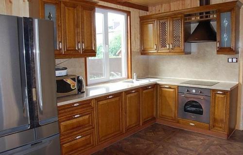 Кухни массив 040