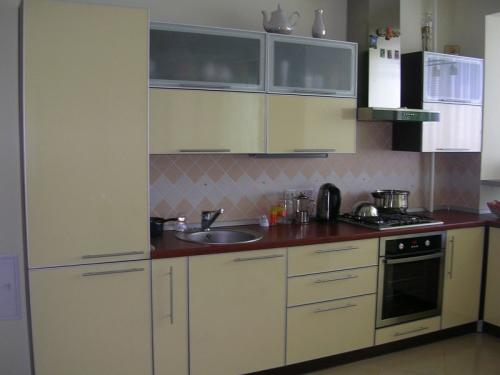 Кухня пластик 024